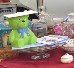 Spendenbär beim - Trödeln für Aegina